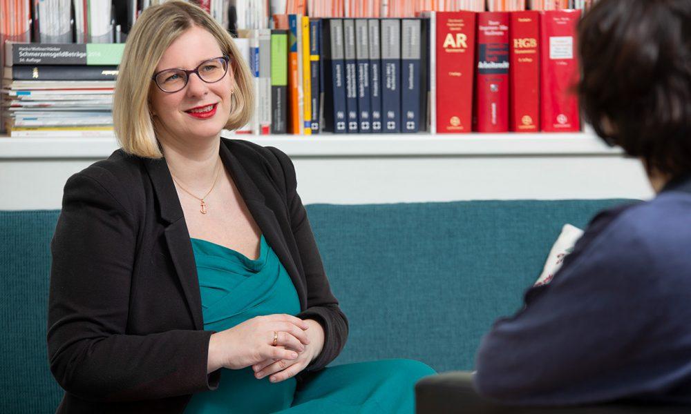 Ulrike Schmidt-Fleischer im Kundengespräch